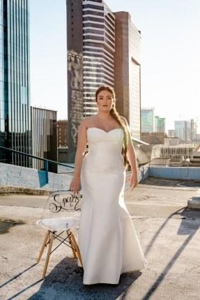Spencer-plus-szie-wedding-gown-Modern-Trousseau