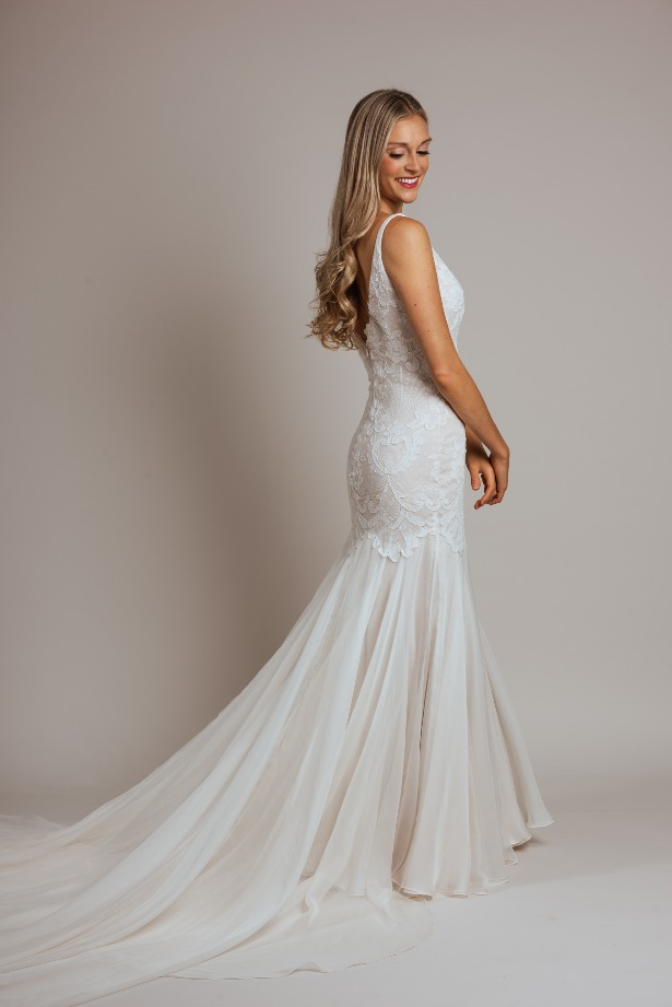 Sleeveless Lace Mermaid Style Wedding Dress by Modern Trousseau. Made in the USA by Modern Trousseau.
